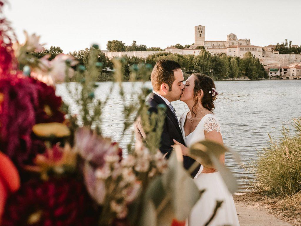 Boda-romantica-en-el-Parador-de-Zamora